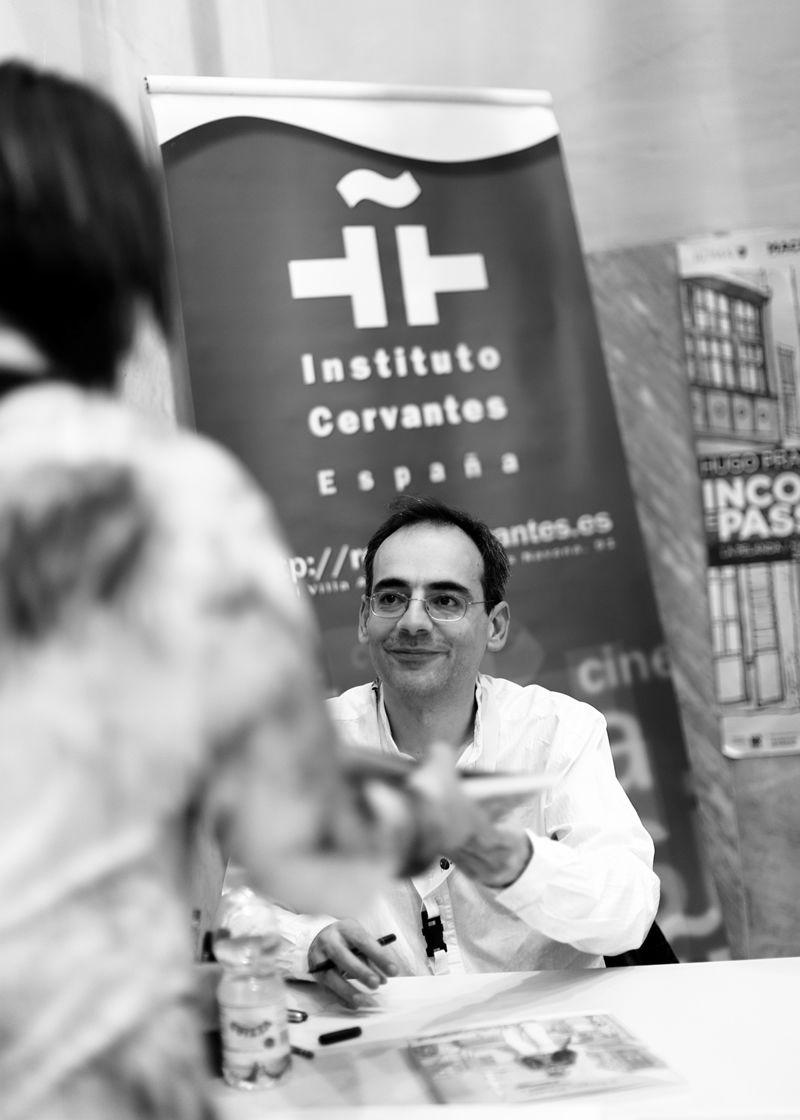 Incontri e passaggi: Juan Diaz Canales autografa Sotto il sole di mezzanotte
